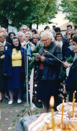 Doamna Aspazia Otel Petrescu La cimitirul din Miercurea Ciuc