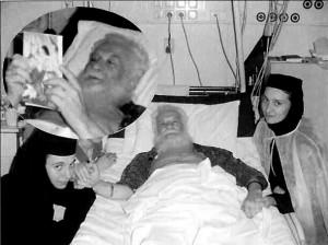 Parintele Gheorghe Calciu la Spitalul Militar din Bucuresti cu maicile Parascheva si Gabriela