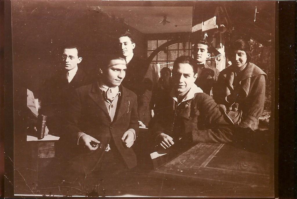 Asociatia Studentilor Crestini din Romania. De la stanga la dreapta Sergiu Condrea, Paul Sterian, Mircea Vulcanescu (anii '20)