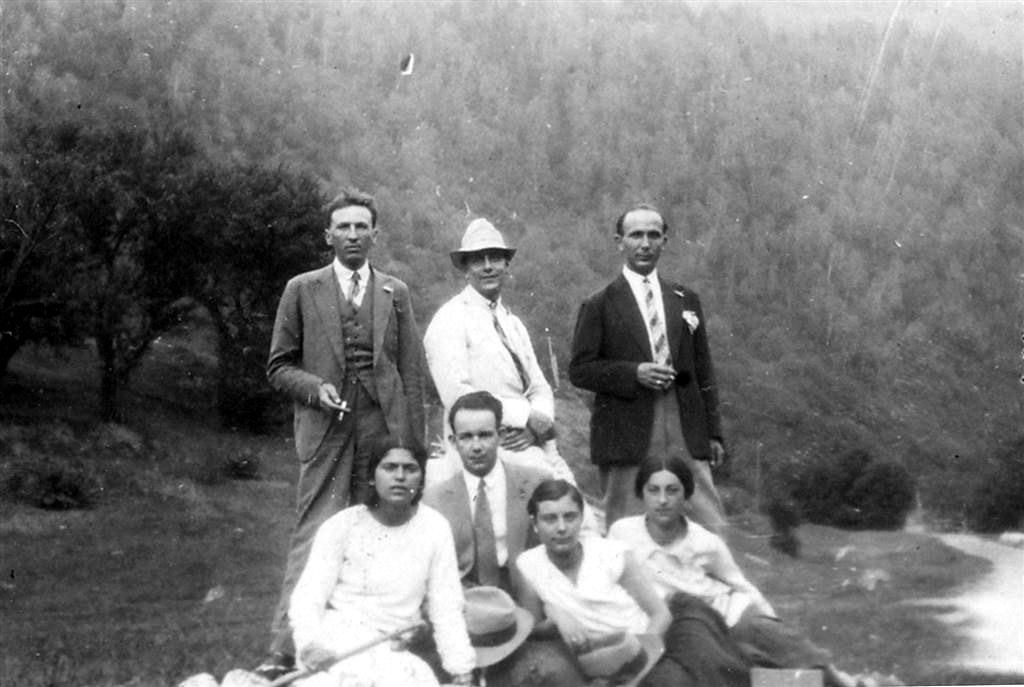 H.H. Stahl, Mircea Vulcanescu, D.C. Georgescu, Xenia Costa-Foru si alti monografisti ai lui D. Gusti