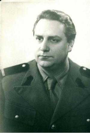 Mircea-Vulcanescu-in-uniforma-militara-Ziaristi-Online