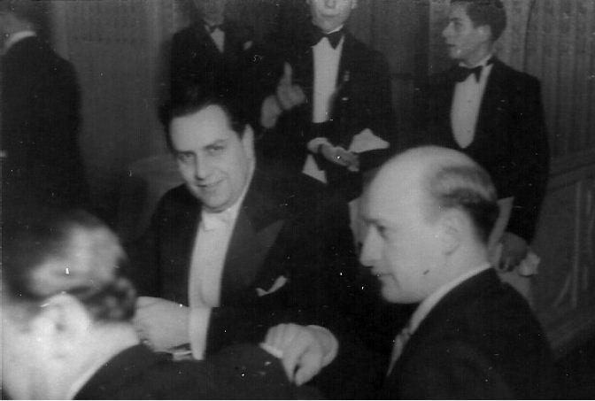 Monografiştii la o seară omagială dedicată lui D. Gusti 1941. Mircea Vulcănescu s şi Octavian Neamţu d - Rev. Transilvania