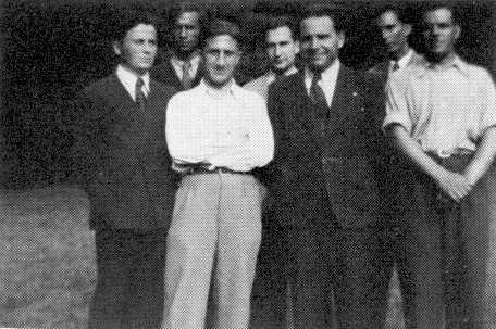 Bucur Stanescu in camasa alba