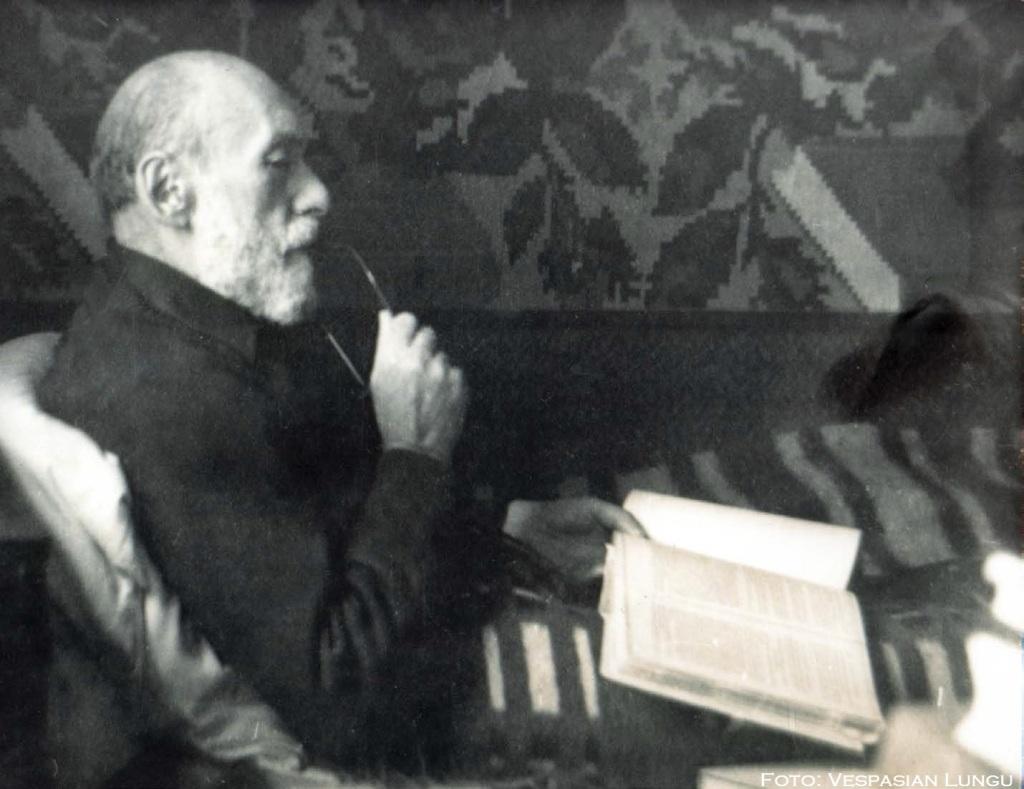 Calugarul Nicolae Steinhardt - Foto Vespasian Lungu - Revista Verso - via Marturisitorii