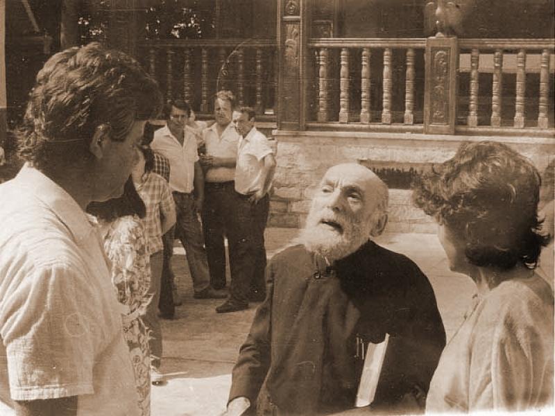 Parintele Nicolae Steinhardt la Rohia in 1988