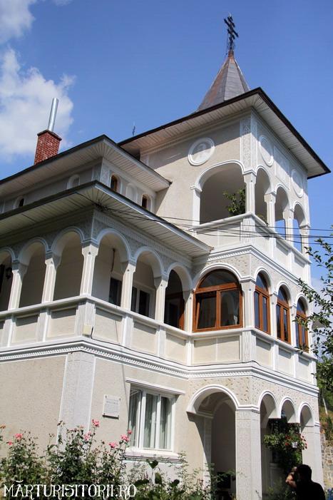 Acasa la Monahul Nicolae Steinhardt de la Rohia - MARTURISITORII RO 5459f