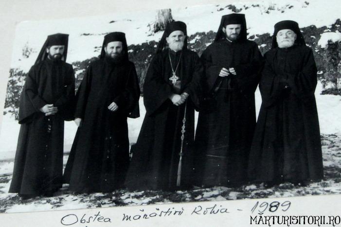 Acasa la Monahul Nicolae Steinhardt de la Rohia - MARTURISITORII RO 5469