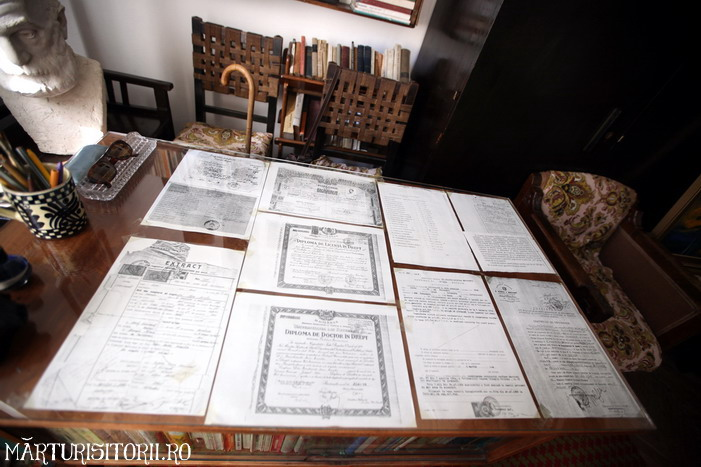 Acasa la Monahul Nicolae Steinhardt de la Rohia - MARTURISITORII RO 5521a