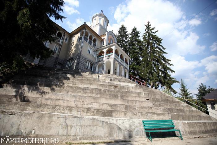 Acasa la Monahul Nicolae Steinhardt de la Rohia - MARTURISITORII RO 5526