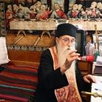 """Părintele Arsenie Papacioc: """"La mormântul meu dacă veniţi, vă spun: Iubiţi-vă!"""". Acasă la marele Duhovnic, în chilia sa de la Mănăstirea Sf. Maria – Techirghiol. 40 de FOTOGRAFII"""