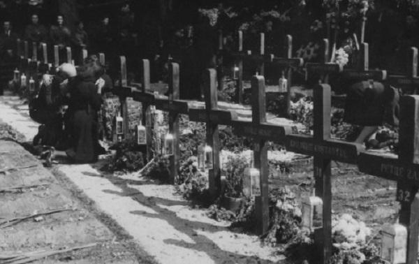 Mormintele Legionarilor ucisi la Predeal septembrie 1939