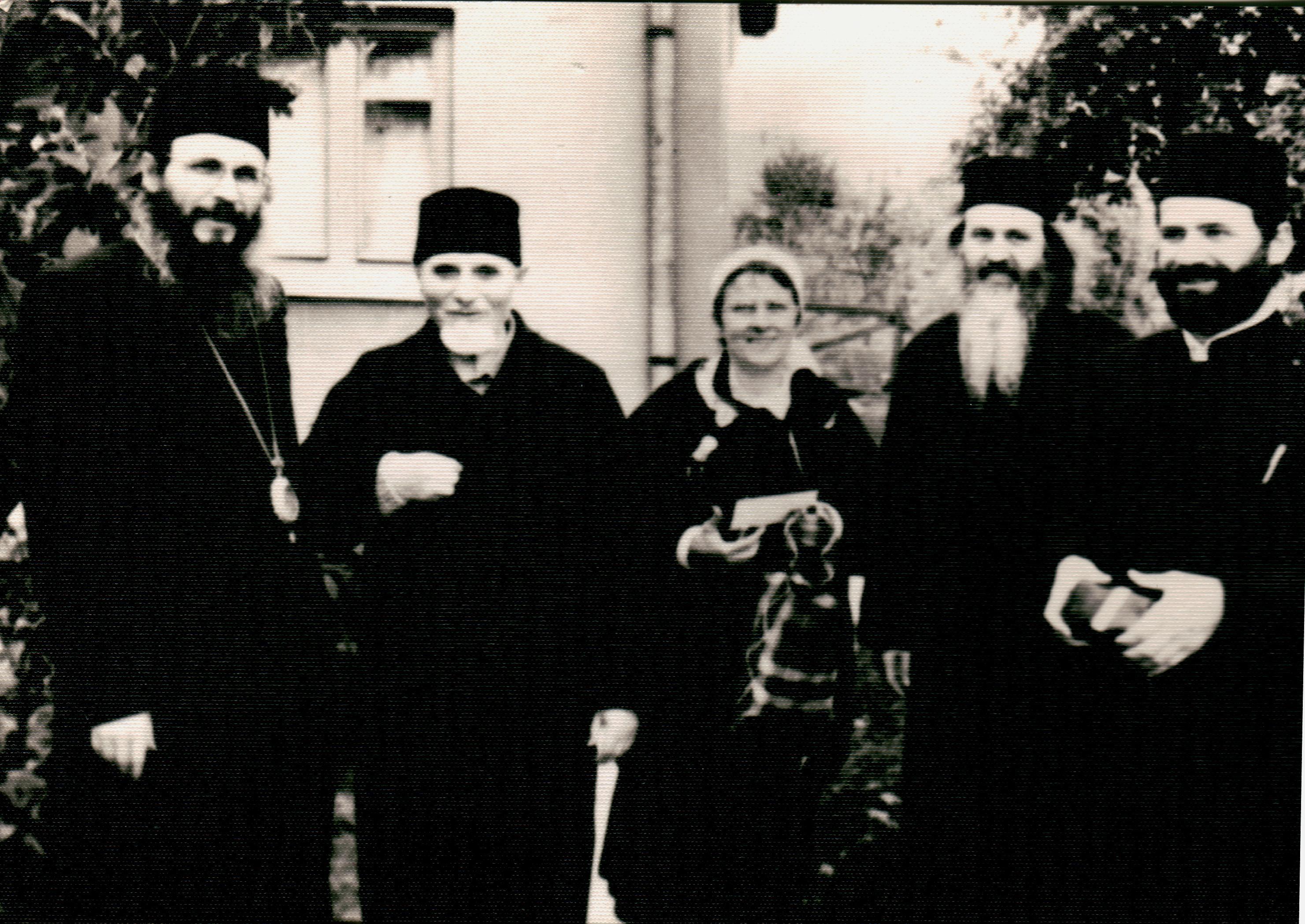 Parintele Dimitrie Bejan si alti preoti