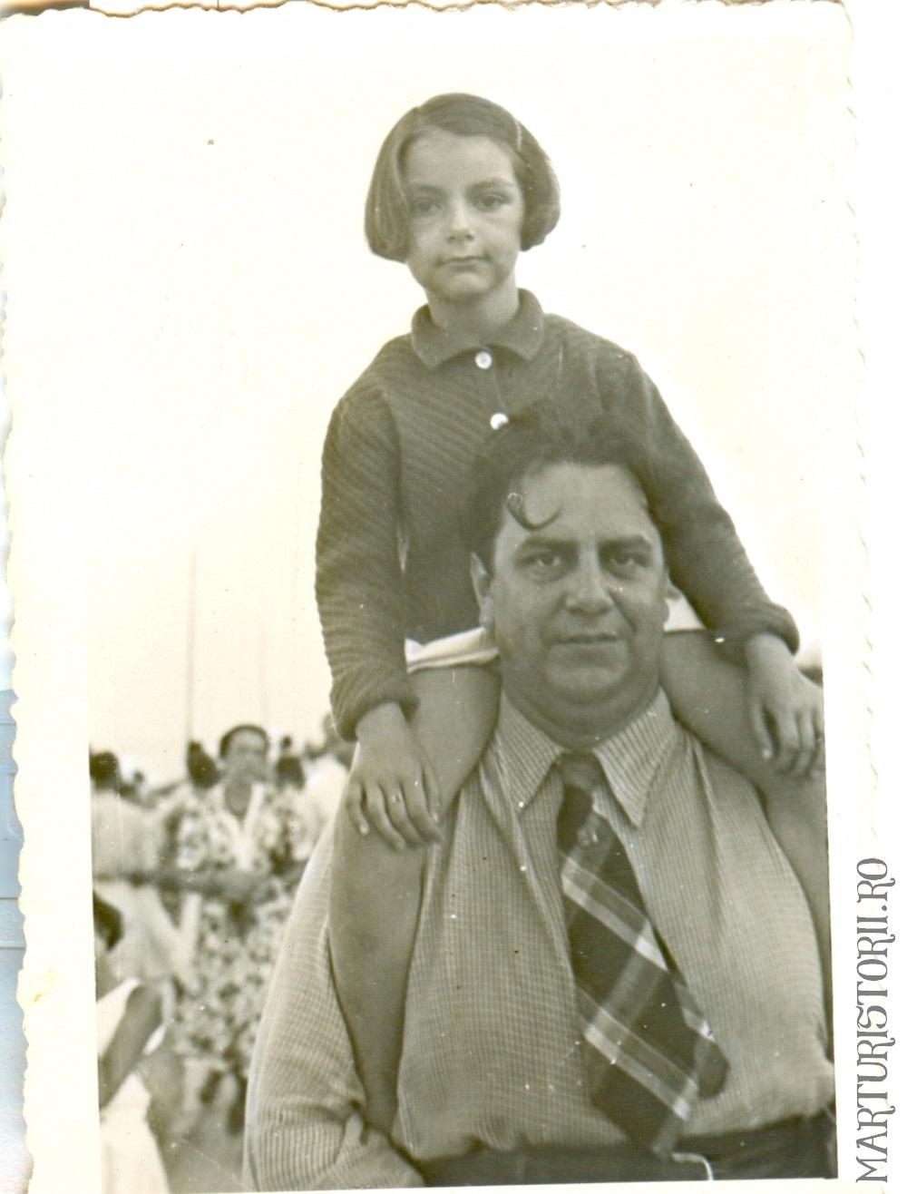 Mircea Vulcanescu impreuna cu fiica sa Mariuca - 1939 - Marturisitorii Ro