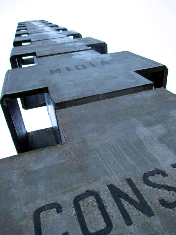 Monumentul de la Poarta Alba
