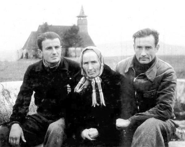 valeriu_gafencu_mama_sa_ioan ianolide in lagarul de la galda 1946