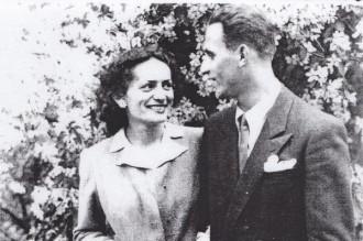 """Un an de când """"Legea Wiesel"""" a început să facă victime. Cazul eroului ION ŞIUGARIU. Scrisoarea dramatică a soţiei poetului-martir"""