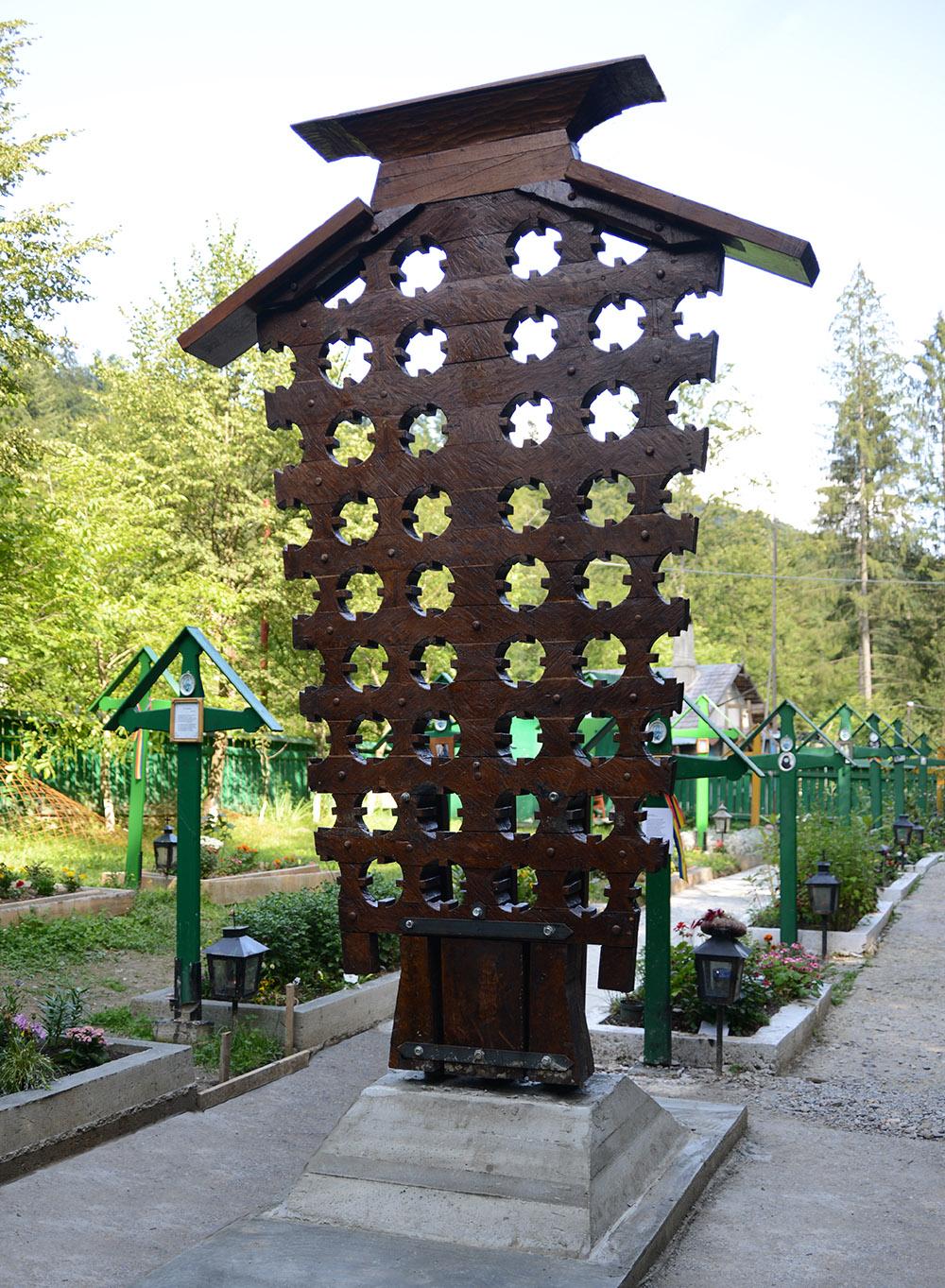 Troita-lui-Florin-Stuparu-din-cimitirul-Manastirii-Petru-Voda
