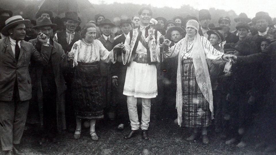 Căpitanul Corneliu Zelea Codreanu. Aspecte de la nunta sa de la Focşani din 14 iunie 1925