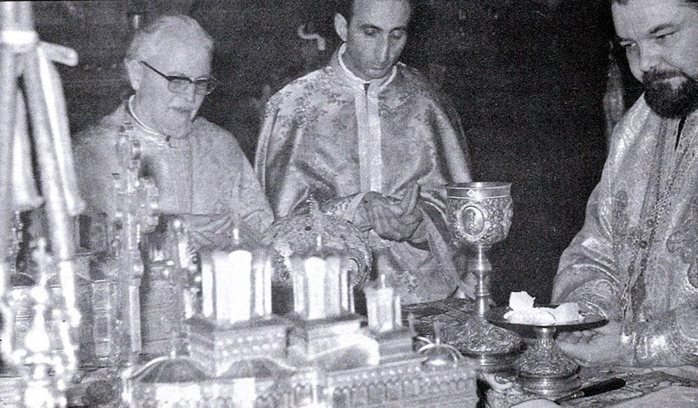 La Catedrala Patriarhala - Pr. Constantin-Voicescu alaturi de IPS Antonie si Parintele Benedict Ghius - 11 februarie 1973