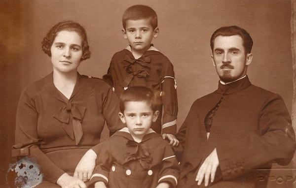 Parintele Ilarion Felea si Familia sa - Marturisitorii