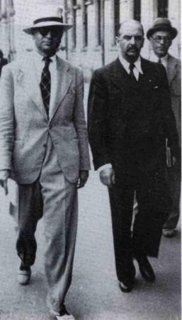 Jurnalistul Sandu Tudor şi profesorul Alexandru Mironescu în Bucureşti
