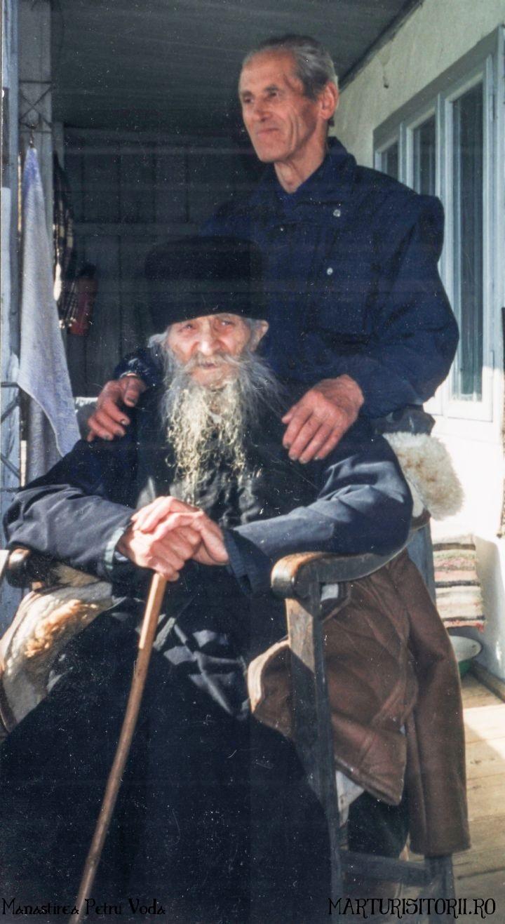 Monahul-Marcu-Dumitru-şi-Gheorghe-Dragon - Manastirea Petru Voda - Marturisitorii