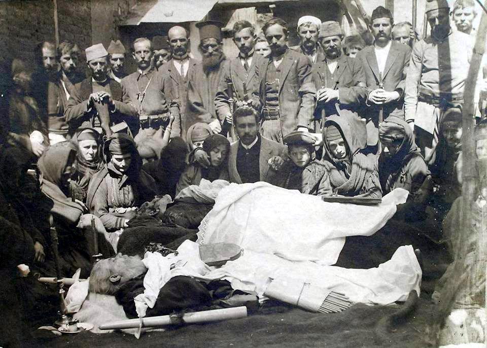 Preotul Haralambie Balamaci Papa Lambru si fratele sau Steriu Balamaci, din Corcea, Albania, martirizati de greci la 23 martie 1914