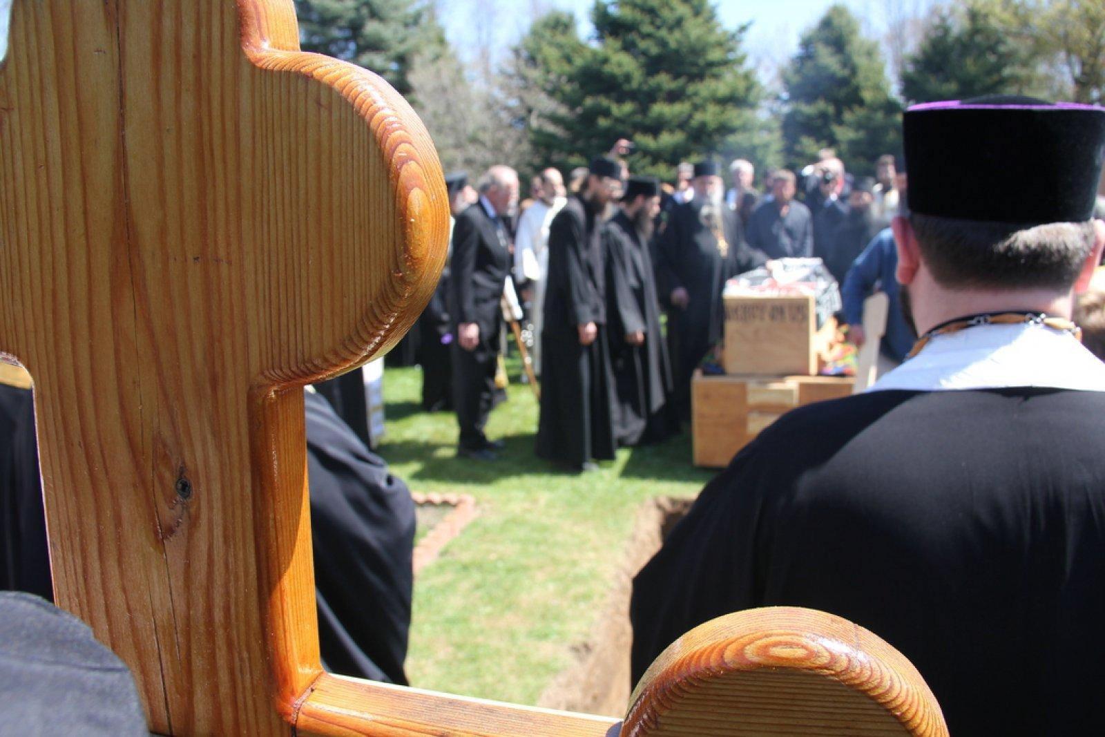 Inmormantare Parintele Roman Braga 29 aprilie 2015 7