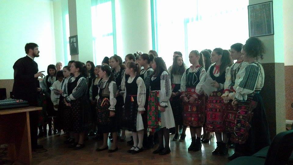 Copiii din Tara Fagarasului la Conferinta Invierea Domnului in temnitele comuniste