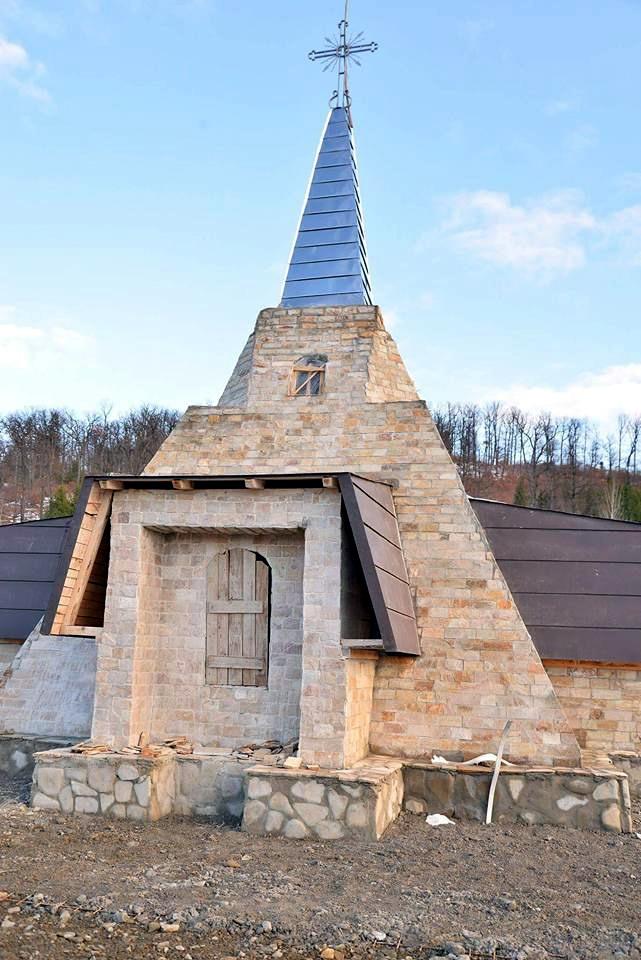 Monument Eroi Nemtisor Constructie