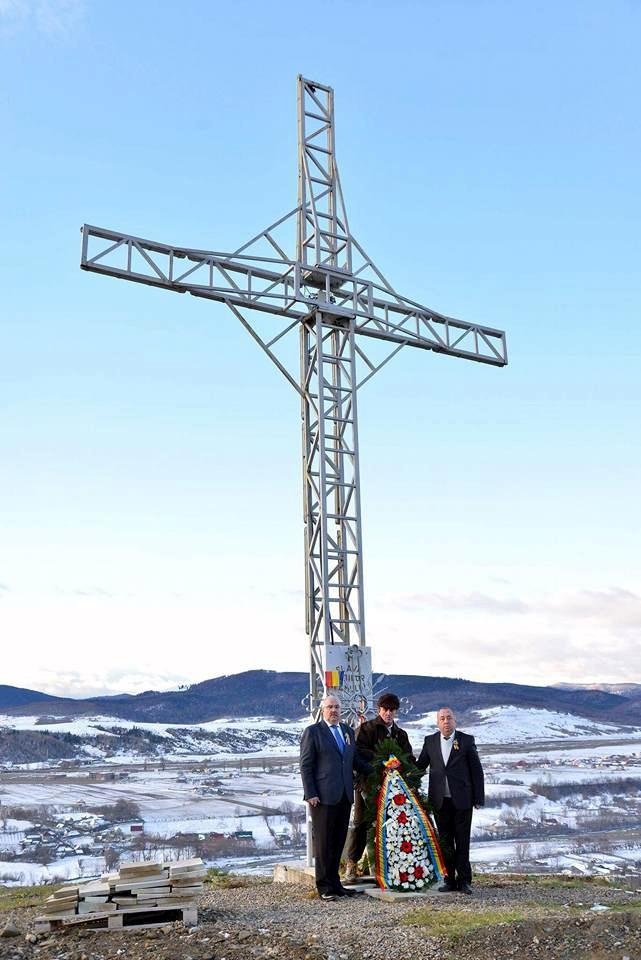 Monument Eroi Nemtisor Cruce