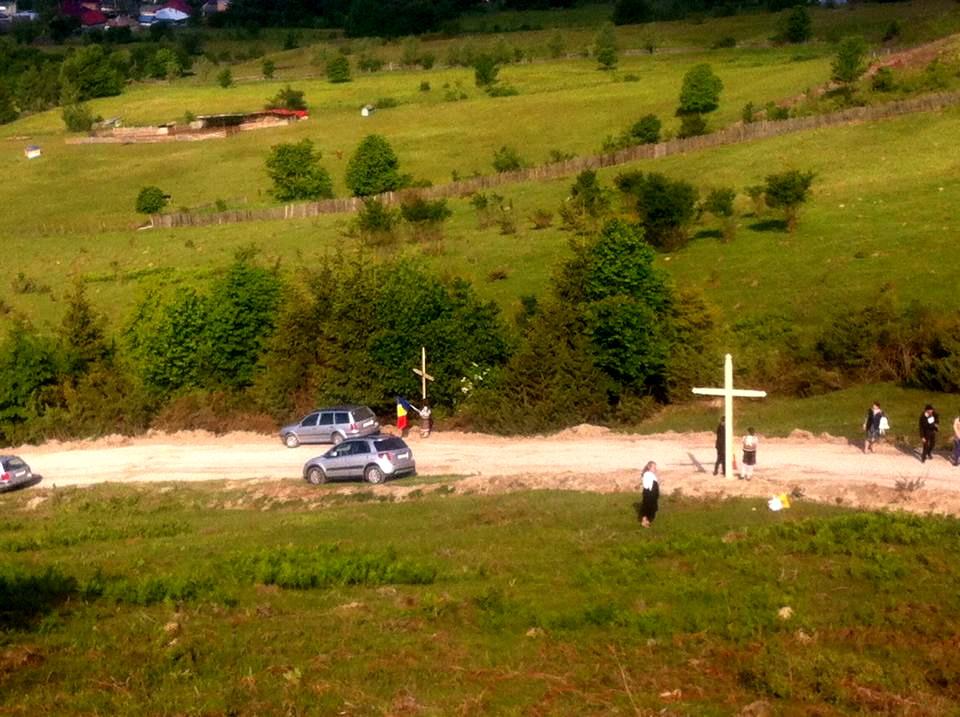 Monument Eroi Nemtisor sfintire