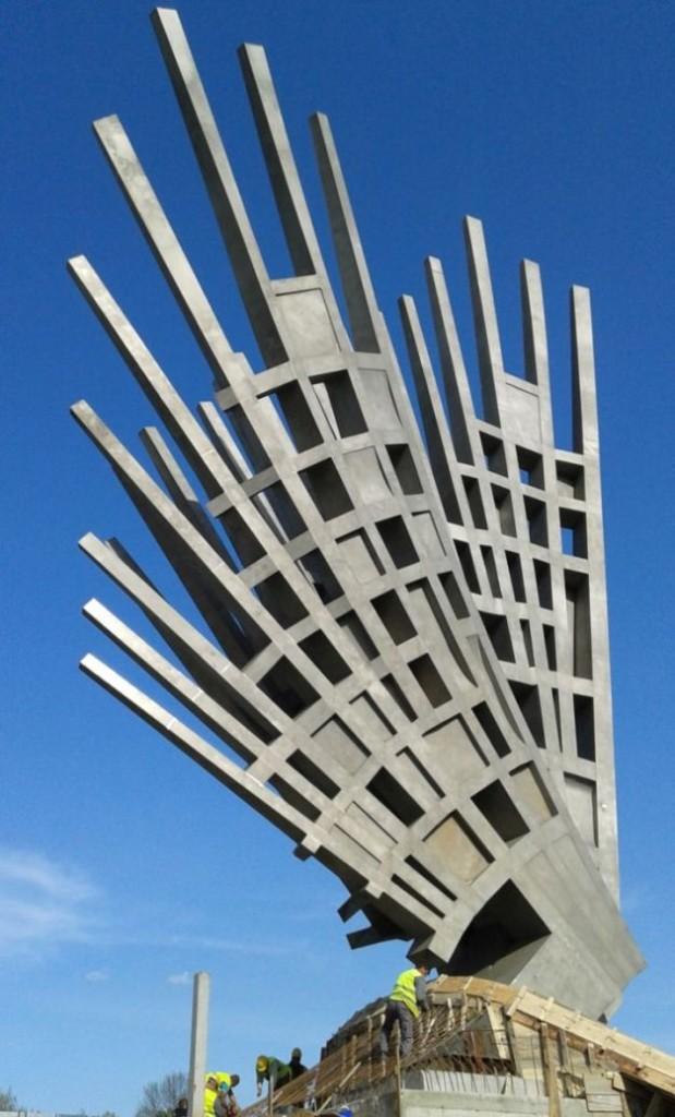 Monumentul Aripi Foto Sinziana Popescu