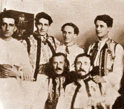 Corneliu-Codreanu-cu-Vacarestenii-fondatorii-Legiunii-Arhanghelului-Mihail