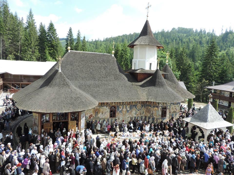 Pomenirea de trei ani a părintelui Justin Pârvu - Manastirea Petru Voda