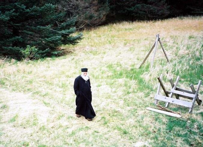 34-parintele-gheorghe-calciu-marturisitorii-ro-singur