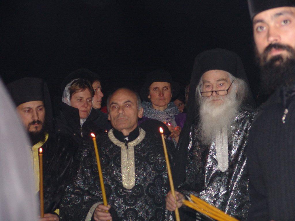 56-parintele-gheorghe-calciu-marturisitorii-ro-asteptat-la-petru-voda-de-parintele-justin-2-decembrie-2006